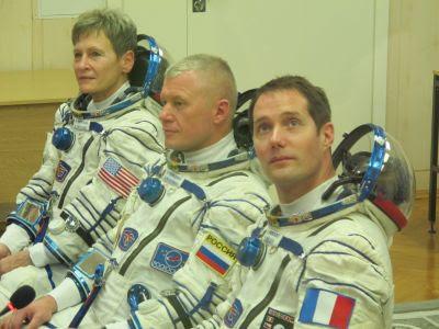 3 nations dans l'espace