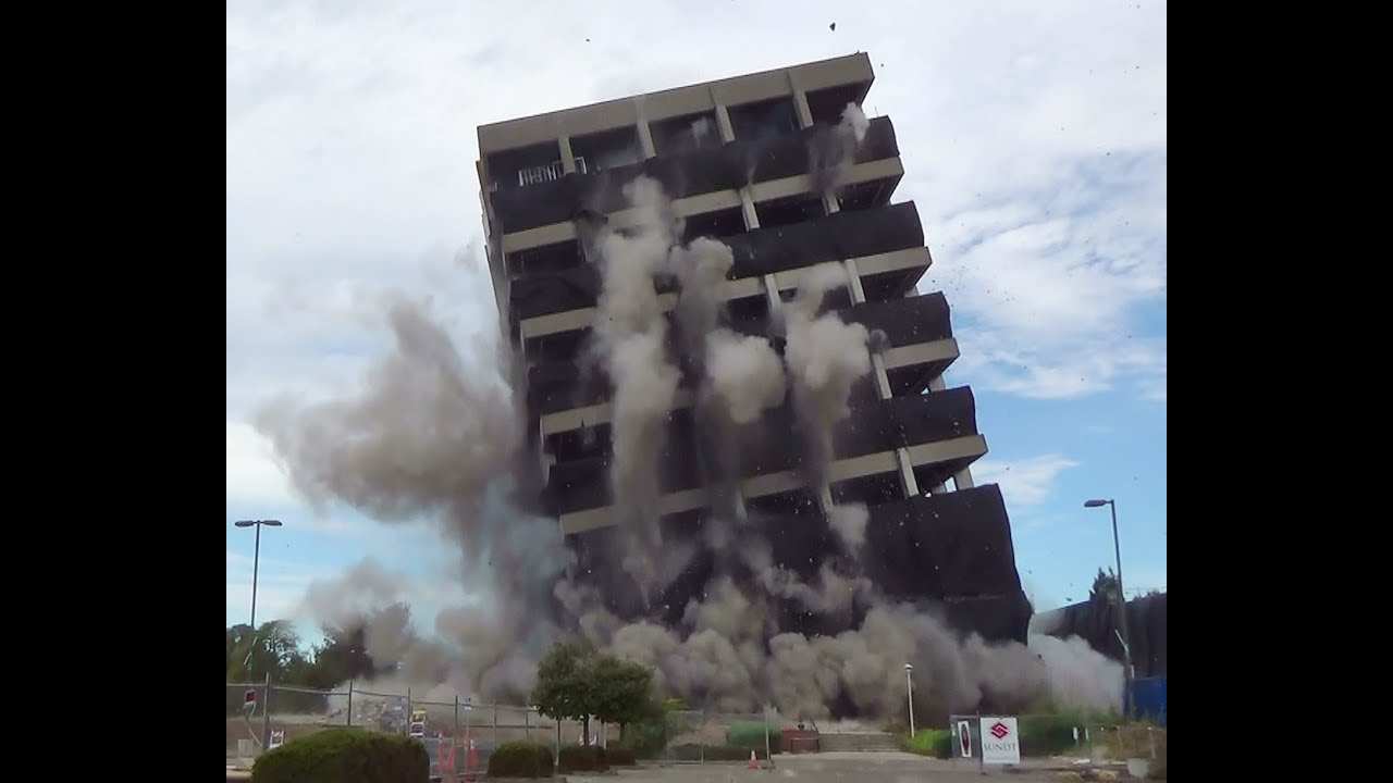 Controlled Demolition Coming, Not a Crash - Catherine Austin Fitts and Greg Hunter Video