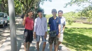 Từ trái: Ông Michael Phương Minh Nguyễn, Trần Long Phi, Huỳnh Đức Thanh Bình và Thomas Quốc Bảo. Hình do nhà hoạt động Lê Mỹ Hạnh chụp tại Huế hôm 5/7.