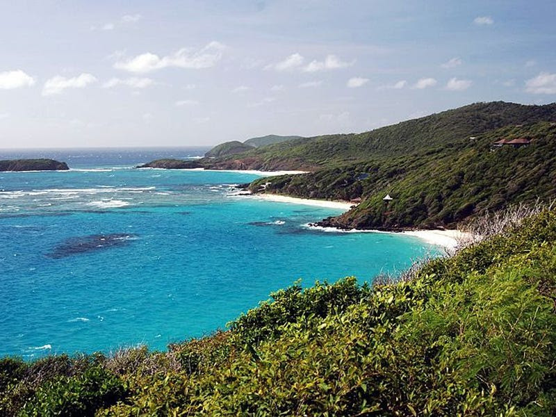 23. (tie) Saint Vincent and the Grenadines: 71,000 tourists