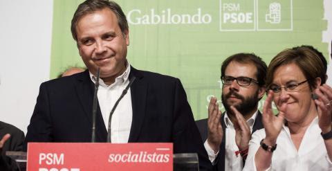 Antonio Miguel Carmona, candidato del PP a la Alcaldía de Madrid, en la noche electoral. EFE/Luca Piergiovanni