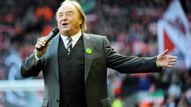 Morre cantor de 'You'll Never Walk Alone', hino da torcida do Liverpool