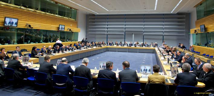 Πυκνώνουν τα σύννεφα – Η Ευρώπη ανησυχεί και προειδοποιεί για το μνημόνιο