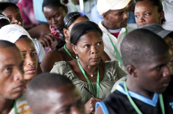 Ni una indígena y solo 30 afros entre las 2.434 mujeres en puestos decisorios del Estado