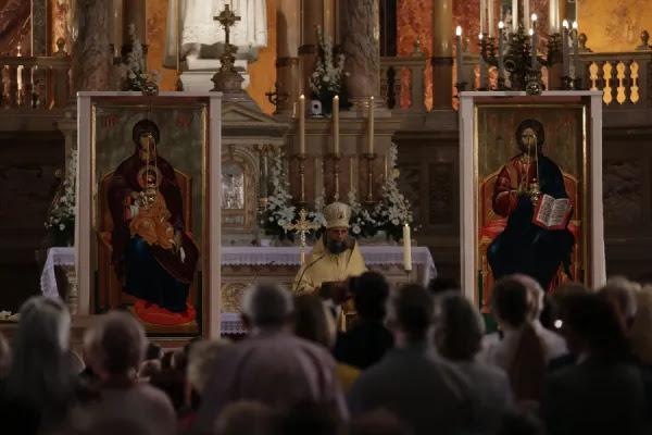 A Byzantine Divine Liturgy is celebrated at St. Stephen's Basilica, Budapest, Hungary, on Sept. 8, 2021. Daniel Ibáñez/CNA.
