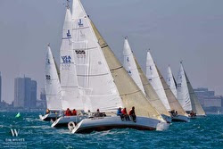 J/105s sailing off Chicago in NOOD Regatta