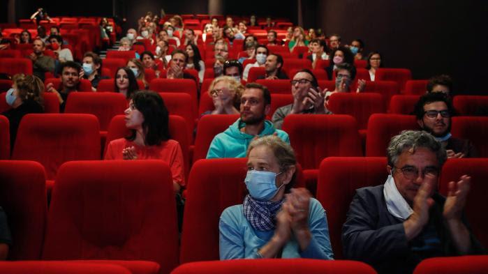 Un mois après leur réouverture, les salles de cinéma peinent à se remplir