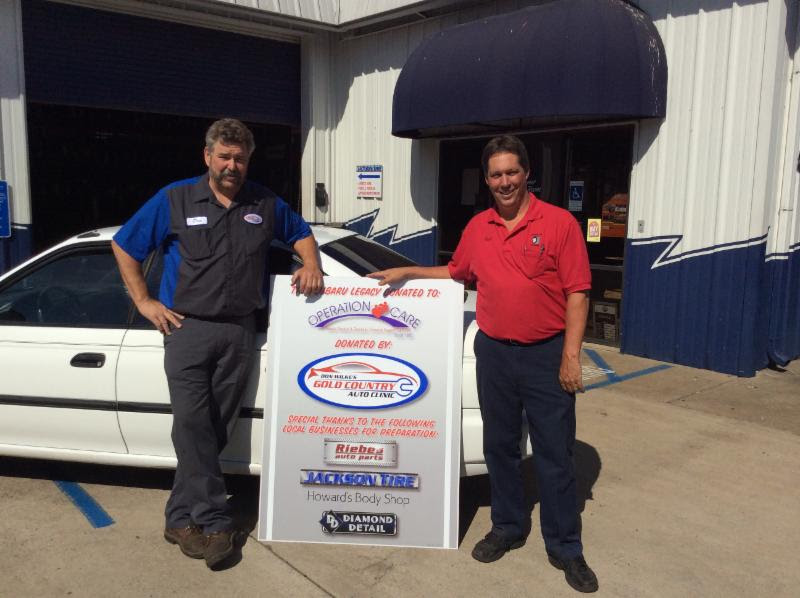 Don Wilke and Phil Bovero of Jackson tire