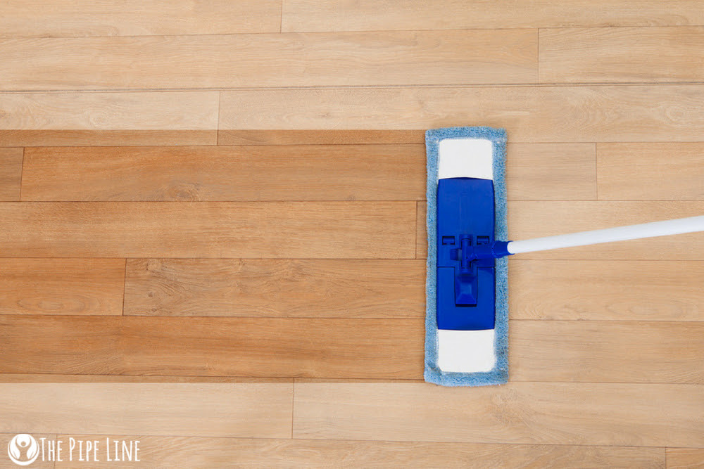 MAKE YOUR OWN DIY FLOOR CLEANE...