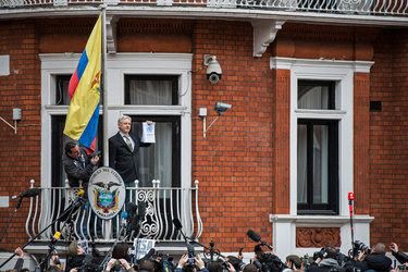 Julian Assange, who has sought asylum at the Ecuadorean Embassy in London, has not revealed the source of Democratic emails.