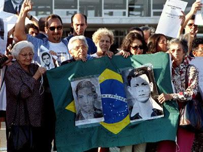 Familiares de víctimas de la dictadura brasileña. EP