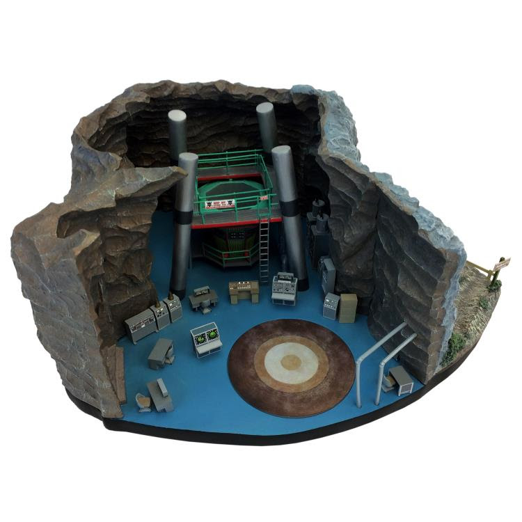 CLASSIC 1/50 SCALE BATCAVE DESKTOP SCULPTURE