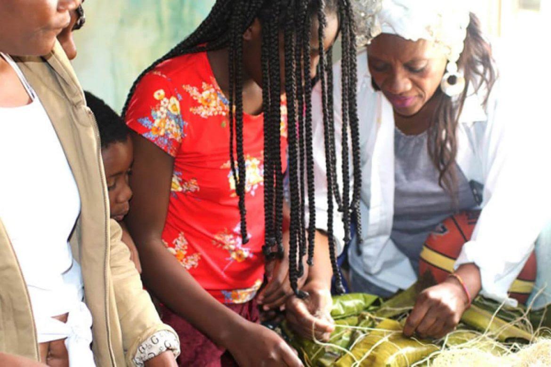 emprendimiento-afro-economia-pacifico-vanesa-sanchez-manos-visibles-1170x780