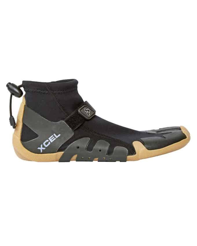 This image has an empty alt attribute; its file name is 1mm-xcel-infiniti-reef-split-toe-wetsuit-boots-gum-black-side_680x850.jpg