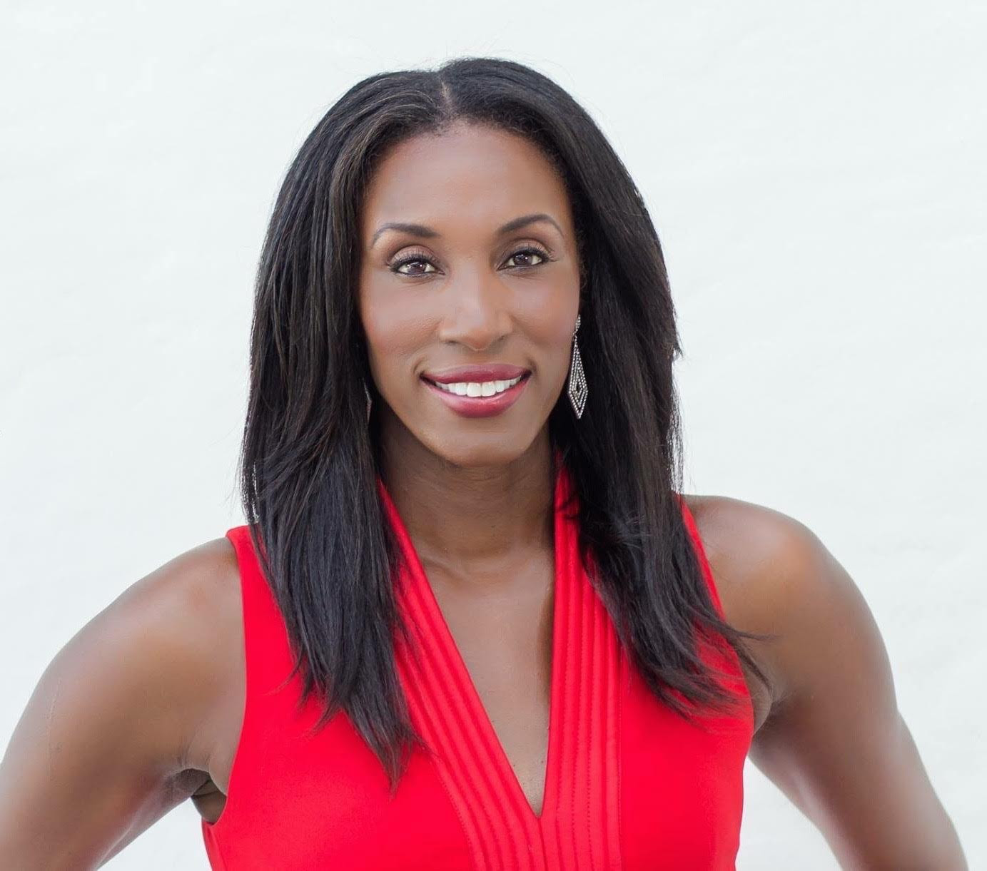 Lisa Leslie Headshot.jpg