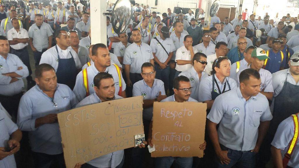 trabajadores en jornada de lucha