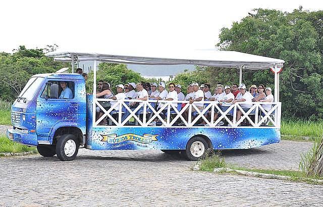 Veículo adaptado leva a praias e mirantes - Armação dos Búzios RJ
