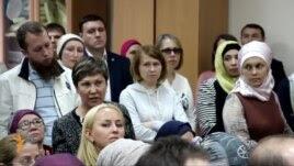 Казанда ата-аналар татар мәктәбен саклап калу өчен көрәшә