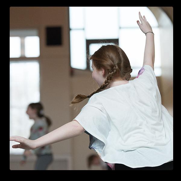 Siobahn Davies creative dance class © Photo by Joe Twigg