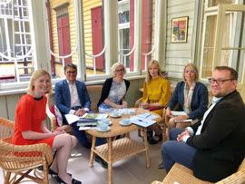 Kohtumine tervise- ja tööministriga EPIKojas. Fotol vasakult: Riina Sikkut, Meelis Joost, Monika Haukanõmm, Helen Kask, Anneli Habicht, Tauno Asuja.