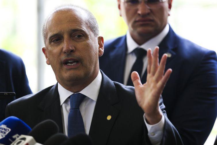 O ministro extraordinário da transição, Onyx Lorenzoni, confirma o nome do advogado Gustavo Bebianno como ministro-chefe da Secretaria-Geral da Presidência da República.