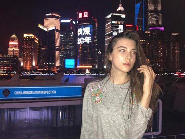 14 year old model collapses and dies after 12-hour fashion show in China