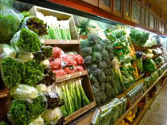 The little grocery stores have a wide variety of beautiful vegetables...cheaper than in Digby, Nova Scotia. :(