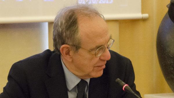 Η Ιταλία αγνοεί τις υποδείξεις της Κομισιόν για μείωση του χρέους