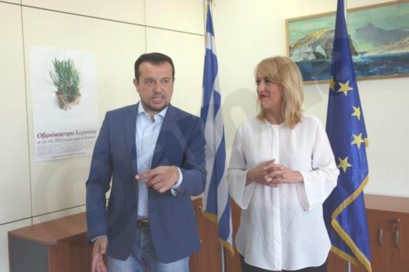 O Νίκος Παππάς και η Ρένα Δούρου/ Φωτογραφία ΑΠΕ ΜΠΕ