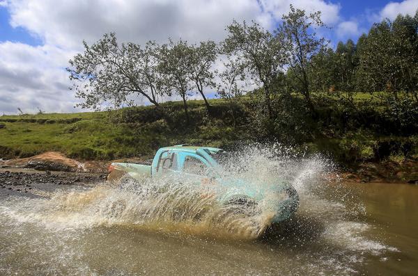 Dupla carro #311 foi a terceira mais rápida da geral, neste sábado (Luciano Santos/DFotos)
