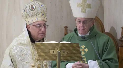 El Papa y el Patriarca Greco-Melquita celebran juntos la Misa en Santa Marta