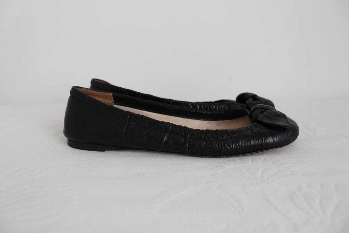 PRADA DESIGNER BLACK LEATHER BALLET FLATS - SIZE 4.5