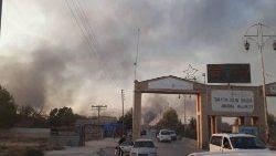 Primeros bombardeos de los cazas turcos contra la ciudad de Ras Al Ain, Siria.