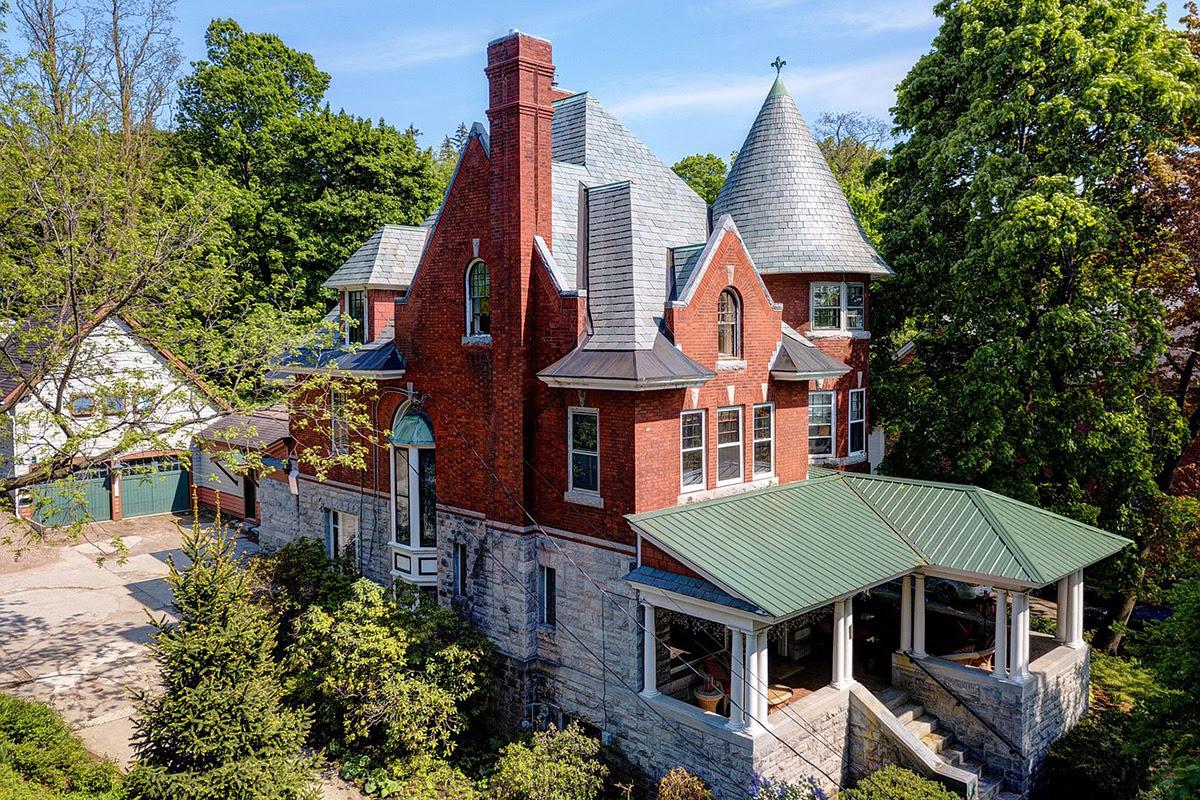 Vermont Estate