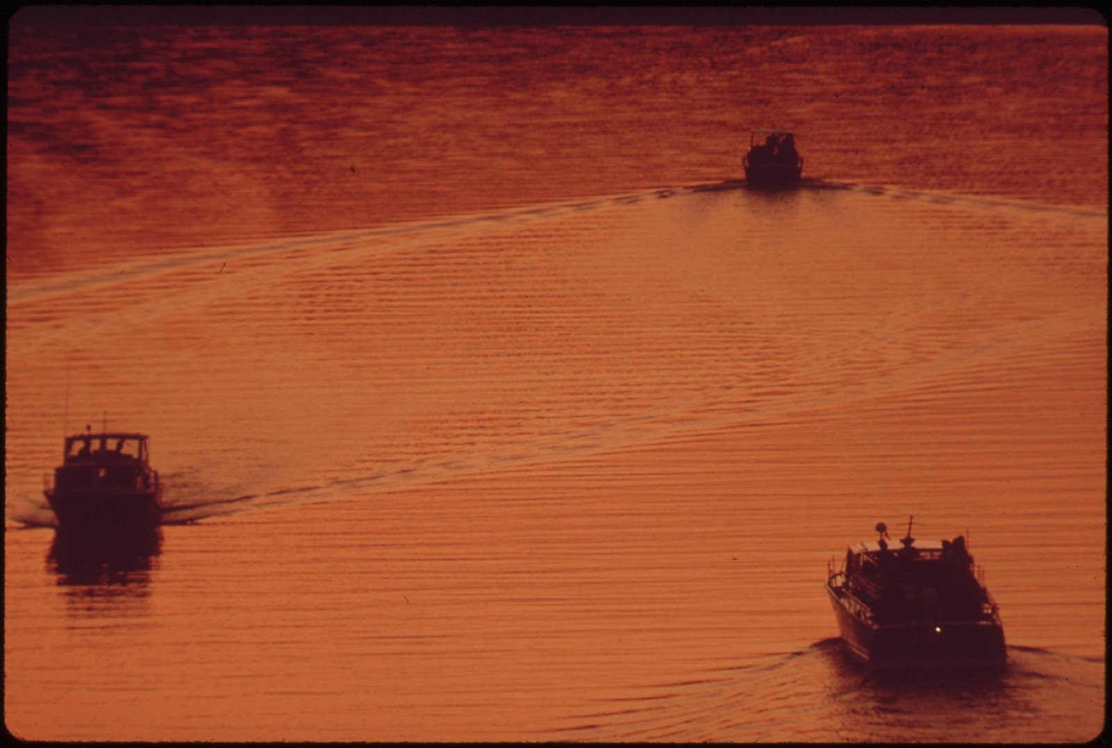 Power Boats On The Polluted Potomac, September 1972 | by The U.S. National Archives