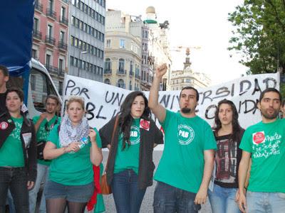 Representantes de la Plataforma de afectados por las becas y del Sindicato de Estudiantes