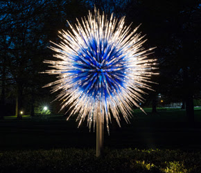 Dale Chihuly, Sapphire Star, 2010 © Chihuly Studio