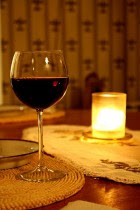 400px-Glass_of_red_wine