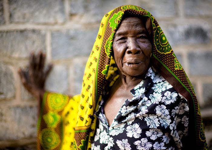 http://chicquero.files.wordpress.com/2012/03/international-womens-day-chicquero-tanzania.jpg?w=800