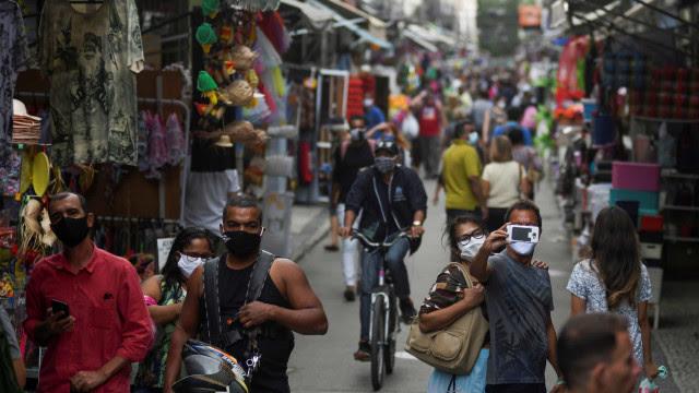 Associação de bares culpa autoridades por aglomerações no Rio