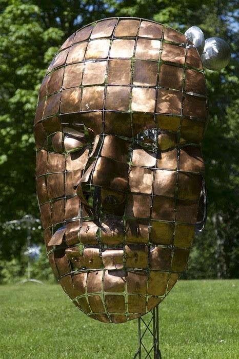 sculpture kinetique scifi 03 466x700 Les sculptures cinétiques dAnthony Howe  sculpture featured bonus art