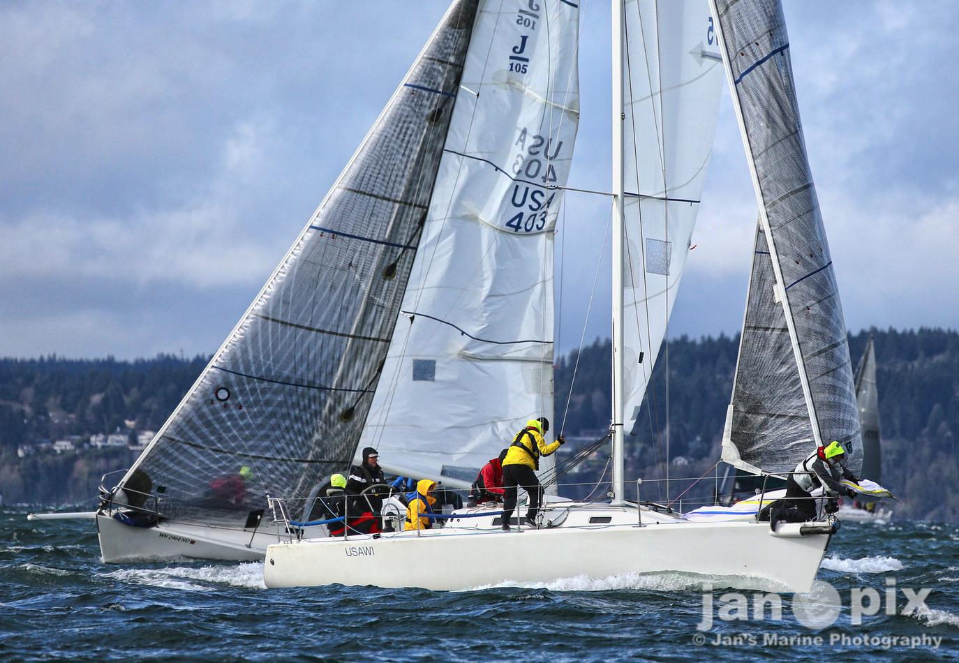 J/105 sailing Scachet Head race