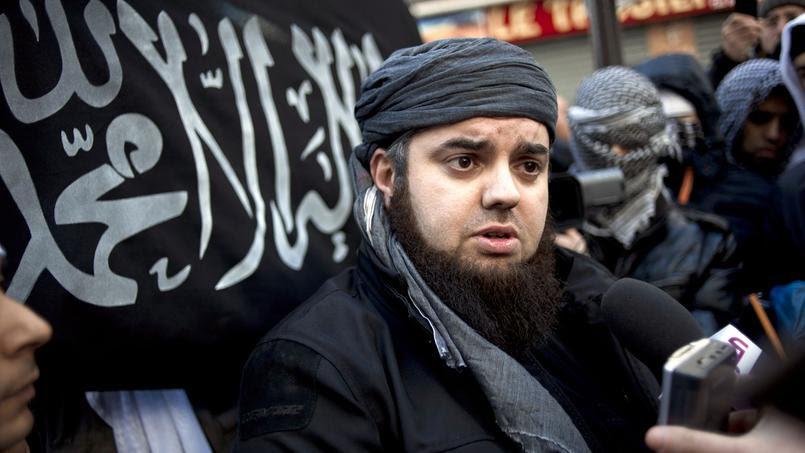 Mohamed Achamlane, l'«émir» autoproclamé de Forsane Alizza, lors d'une conférence de presse à Paris en janvier 2012.