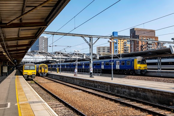Passengers in Yorkshire urged to check before they travel as work continues on major upgrade to Leeds station