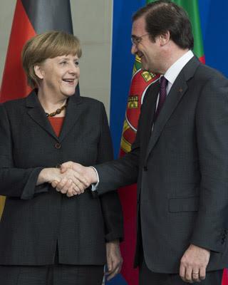 La canciller alemana, Angela Merkel, y el primer ministro portugués, Pedro Passos Coelho.