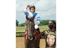 Dean Martini and jockey Ricardo Mejias after winning the Ohio Derby at Thistledown