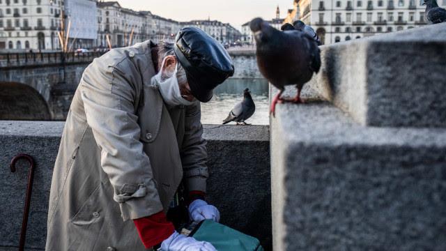 Itália retoma confinamento nas principais regiões para barrar terceira onda