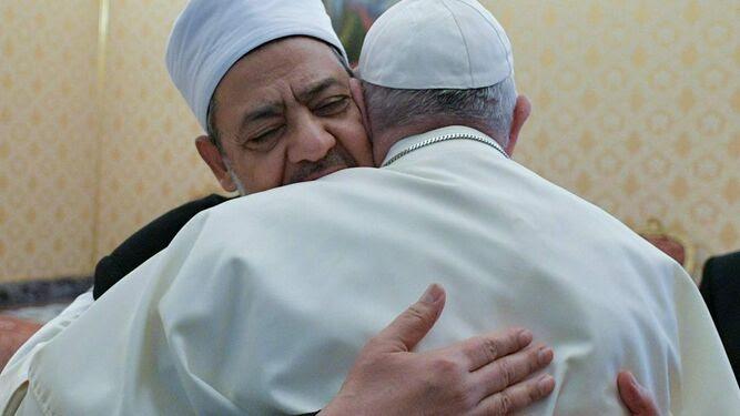 Encuentro entre el Papa Francisco y el Gran Imán de Al-Azhar Ahmed Al-Tayyeb en el que se firmó el Documento sobre la Fraternidad humana