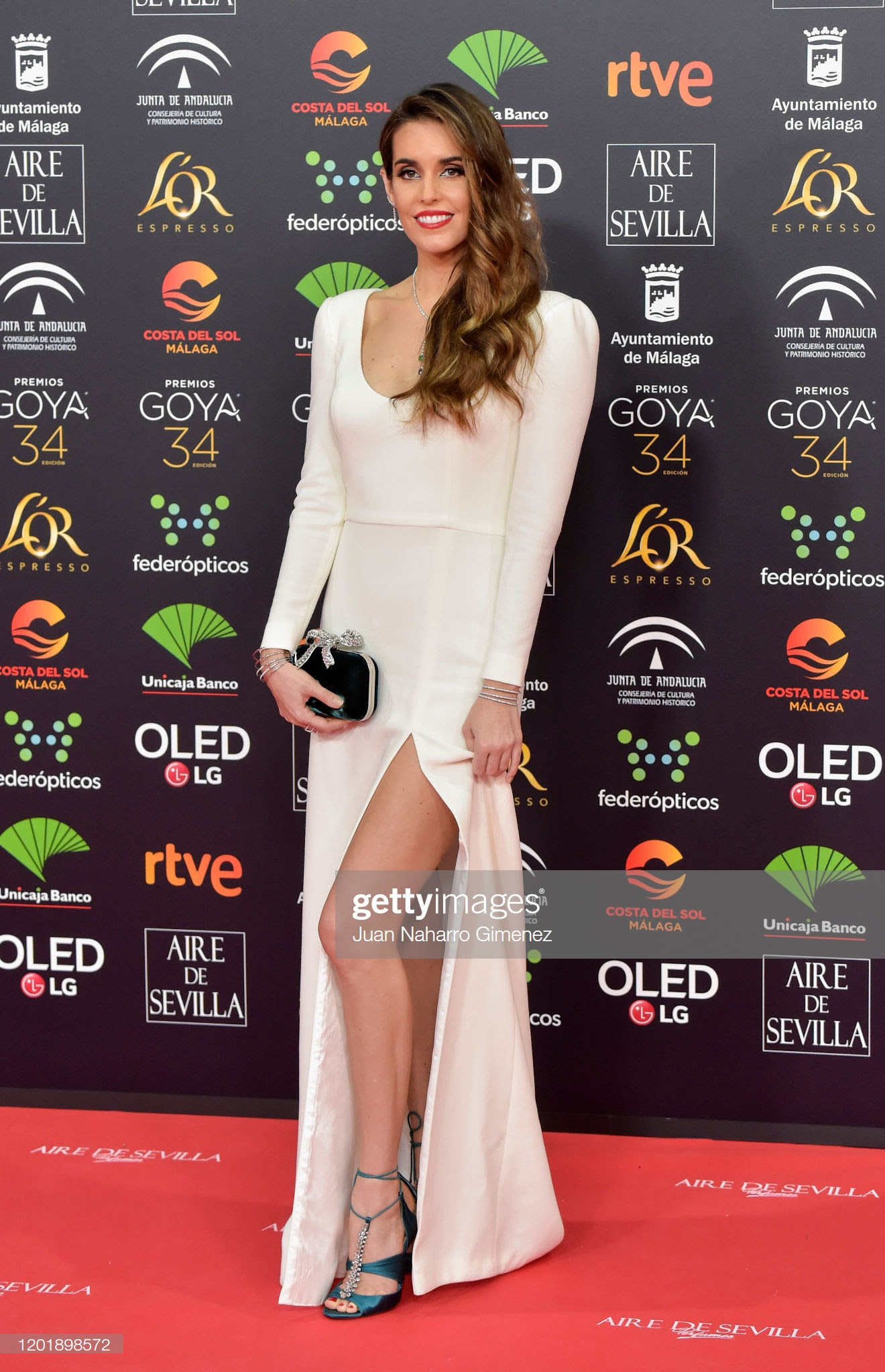 f4bf592a 02f7 417b a7d9 438de7148367 - Premios Goya 2020 : Looks de todas las celebrities que lucieron  marcas de Replica