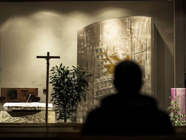 """""""L'Eglise doit ouvrir ses archives secrètes sur les pédophiles"""""""